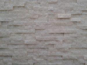 Prírodný kameň Crystal White remienok